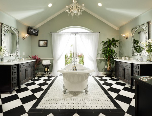 10 Eye-Catching and Luxurious Black and White Bathroom Ideas ➤To see more Luxury Bathroom ideas visit us at www.luxurybathrooms.eu #luxurybathrooms #homedecorideas #bathroomideas @BathroomsLuxury