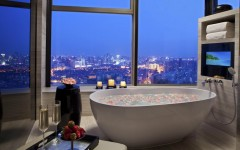 10 Luxury Bathtubs with an Astonishing View ➤To see more Luxury Bathroom ideas visit us at www.luxurybathrooms.eu #luxurybathrooms #homedecorideas #bathroomideas @BathroomsLuxury 10 luxury bathtubs with an astonishing view 10 Luxury Bathtubs with an Astonishing View 10 Luxury Bathtubs with an Astonishing View 5 240x150