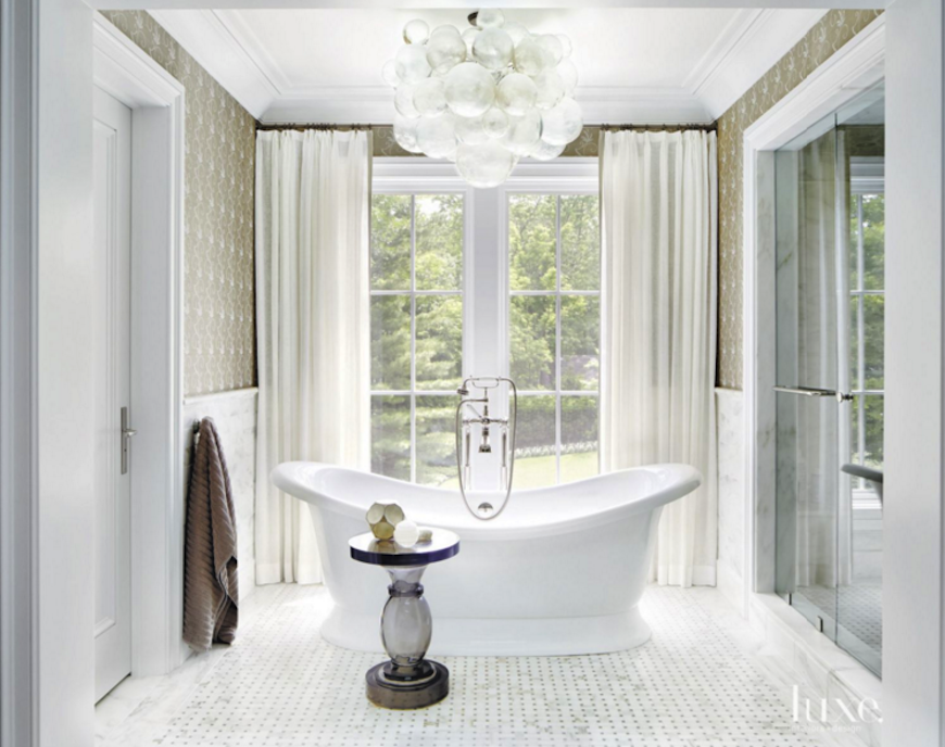 10 Master Bathrooms With Luxurious Freestanding Tubs To See More Luxury Bathroom Ideas Visit Us