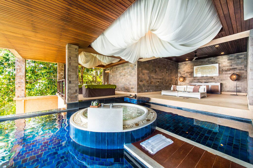 10 Outrageously Gorgeous Hotel Bathrooms That Will Mesmerize You on golf bathrooms, restaurant bathrooms, public pool bathrooms, spa bathrooms, steam room bathrooms, swimming pool bathrooms, luxury pool bathrooms, hair salon bathrooms, gym bathrooms, gas station bathrooms, outdoor pool bathrooms, beach bathrooms,