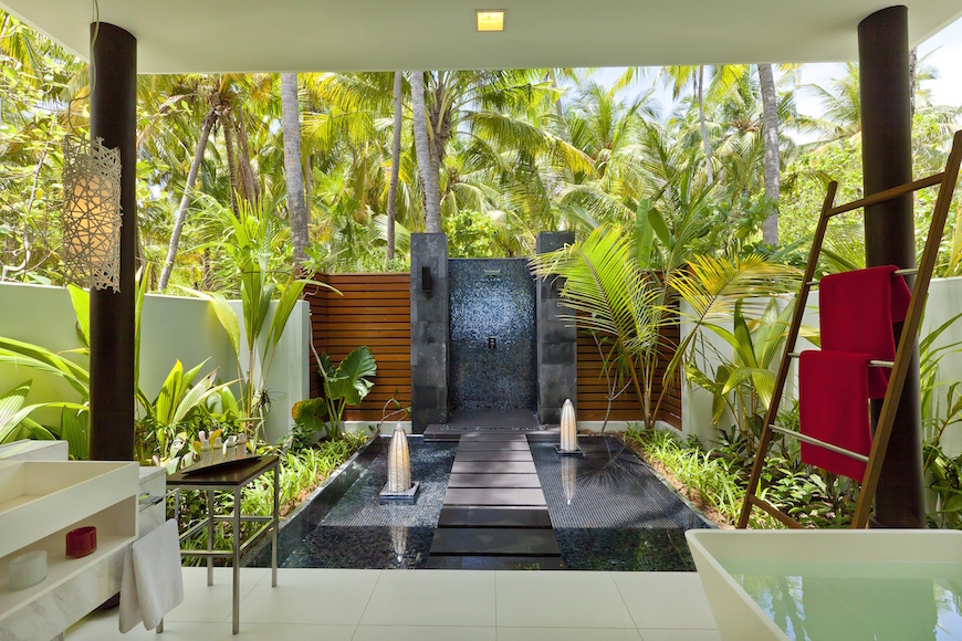 10 Outrageously Gorgeous Hotel Bathrooms That Will Mesmerize You ➤To see more Luxury Bathroom ideas visit us at www.luxurybathrooms.eu #luxurybathrooms #homedecorideas #bathroomideas @BathroomsLuxury