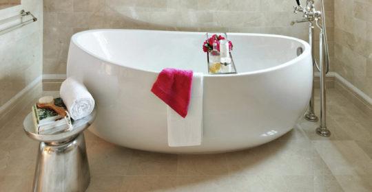 5 Luxury Bathroom Ideas with Stunning Side Tables ➤To see more Luxury Bathroom ideas visit us at www.luxurybathrooms.eu #luxurybathrooms #homedecorideas #bathroomideas @BathroomsLuxury