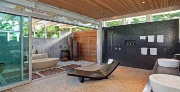 Luxurious Bathrooms: The most stunning natural rock bathtubs 30 most creative bathrooms Luxury bathrooms: top 30 most creative bathrooms (Part 2) Tropical Maui Residence Bossley Architects 13 1 Kindesign 370x190