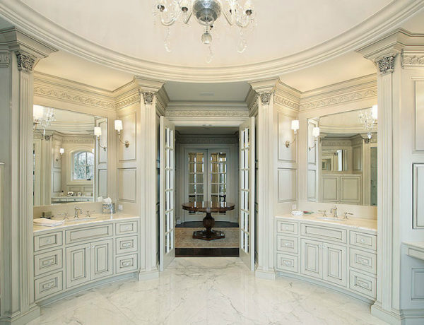 Outstanding White Bathrooms Top 13 Outstanding White Bathrooms To Make You Instantly Feel Serene feat 7 600x460