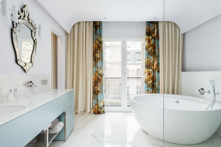 bathroom in paris Discover A Modern And Eclectic Bathroom In Paris MasterBR 26