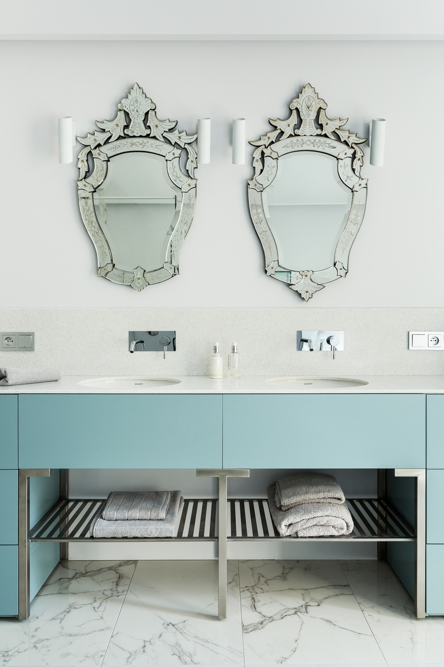 Discover A Modern And Eclectic Bathroom In Paris