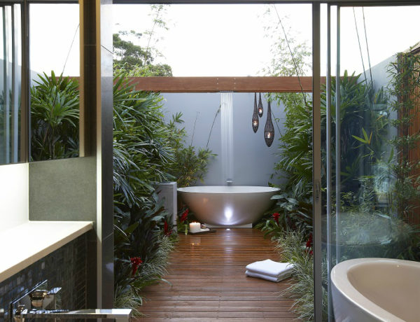 outdoor bathrooms Discover The Most Wanted And Exquisite Outdoor Bathrooms feat 3 600x460