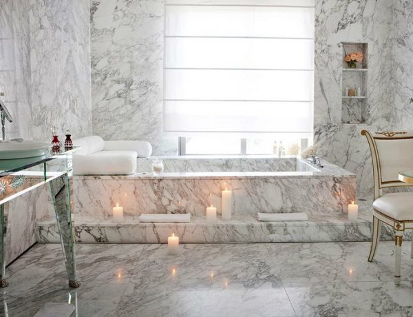 philippe starck 10 Incredible Bathrooms Designed by Philippe Starck feat 2 600x460