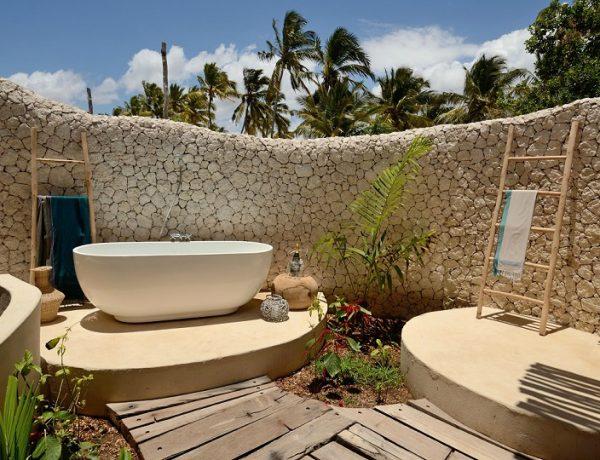 summer home decor ideas Summer Home Decor Ideas To Enhance Your Luxury Bathroom feat 6 600x460