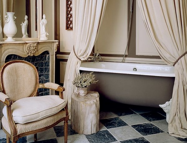 luxury bathrooms decor How To Blend French and Asian Influences In Luxury Bathrooms Decor feat 9 600x460