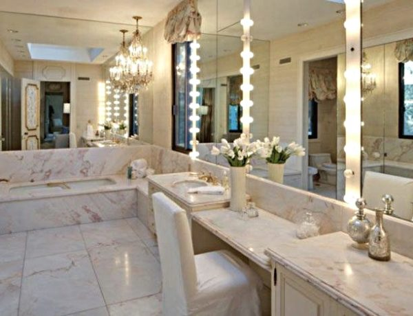 Be Inspired By The Luxury Bathrooms At Adam Levine's LA Mansion ➤ To see more news about Luxury Bathrooms in the world visit us at http://luxurybathrooms.eu/ #luxurybathrooms #interiordesign #homedecor @BathroomsLuxury @bocadolobo @delightfulll @brabbu @essentialhomeeu @circudesign @mvalentinabath @luxxu @covethouse_ Adam Levine's LA Mansion Be Inspired By The Luxury Bathrooms At Adam Levine's LA Mansion feat 1 600x460