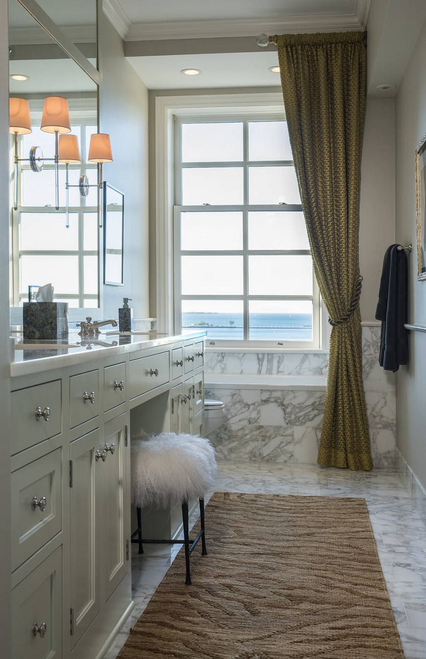 Creating The Perfect Spa-like Bathroom With Decadent Marble Bathtubs ➤ To see more news about Luxury Bathrooms in the world visit us at http://luxurybathrooms.eu/ #luxurybathrooms #interiordesign #homedecor @BathroomsLuxury @bocadolobo @delightfulll @brabbu @essentialhomeeu @circudesign @mvalentinabath @luxxu @covethouse_