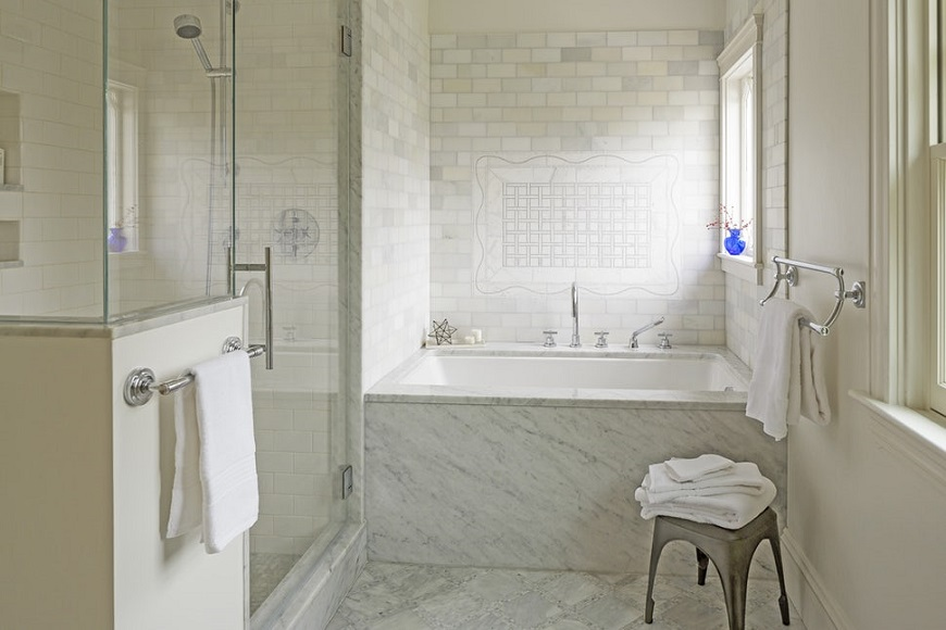 Creating The Perfect Spa-like Bathroom With Impressive Marble Bathtubs ➤ To see more news about Luxury Bathrooms in the world visit us at http://luxurybathrooms.eu/ #luxurybathrooms #interiordesign #homedecor @BathroomsLuxury @bocadolobo @delightfulll @brabbu @essentialhomeeu @circudesign @mvalentinabath @luxxu @covethouse_