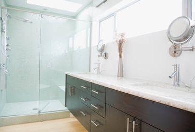 10 Incredible Master Bathroom Ideas