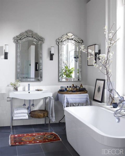 The Best Bathroom Lighting Ideas For Every Design Style ➤ To see more news about Luxury Bathrooms in the world visit us at http://luxurybathrooms.eu/ #luxurybathrooms #interiordesign #homedecor @BathroomsLuxury @bocadolobo @delightfulll @brabbu @essentialhomeeu @circudesign @mvalentinabath @luxxu @covethouse_ best bathroom lighting ideas The Best Bathroom Lighting Ideas For Every Design Style – Part 2 The Best Bathroom Lighting Ideas For Every Design Style 54
