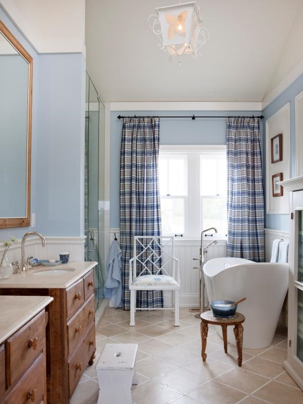 Be Inspired By Luxurious Bathroom Makeovers From HGTV Stars #luxurybathroomsbrands #luxurybathroomsdesigns #luxurybathroomsimages #allwhitebathrooms http://luxurybathrooms.eu @mvalentinabath Luxurious Bathroom Makeovers Be Inspired By Luxurious Bathroom Makeovers From HGTV Stars 1400961682694