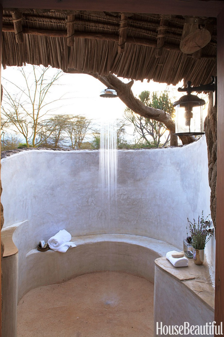 7 Exceptional Outdoor Showers that Will Leave You Craving for More 2