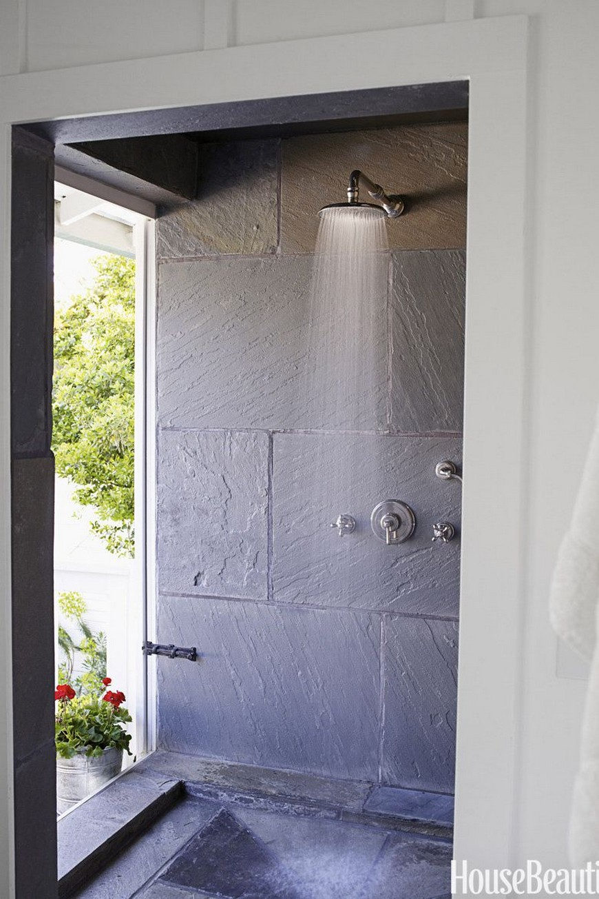 7 Exceptional Outdoor Showers that Will Leave You Craving for More 5