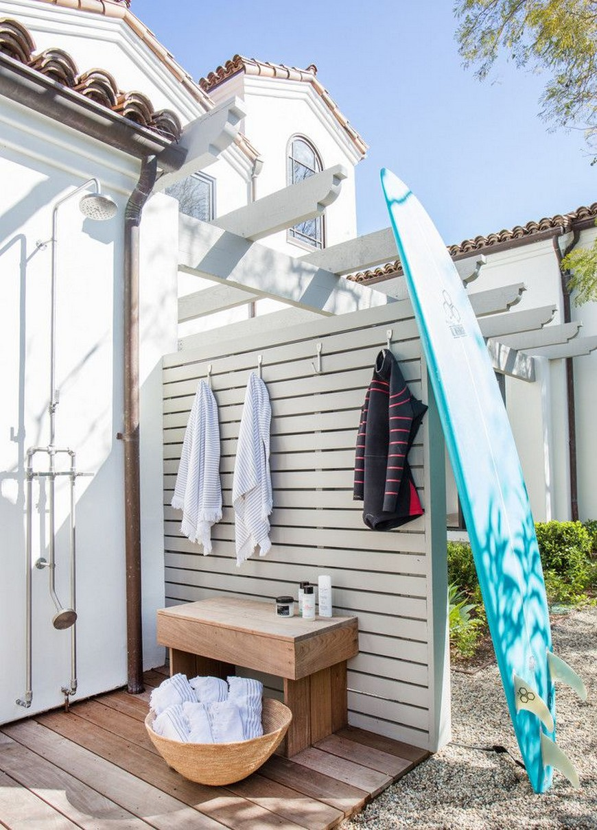 7 Exceptional Outdoor Showers that Will Leave You Craving for More 7