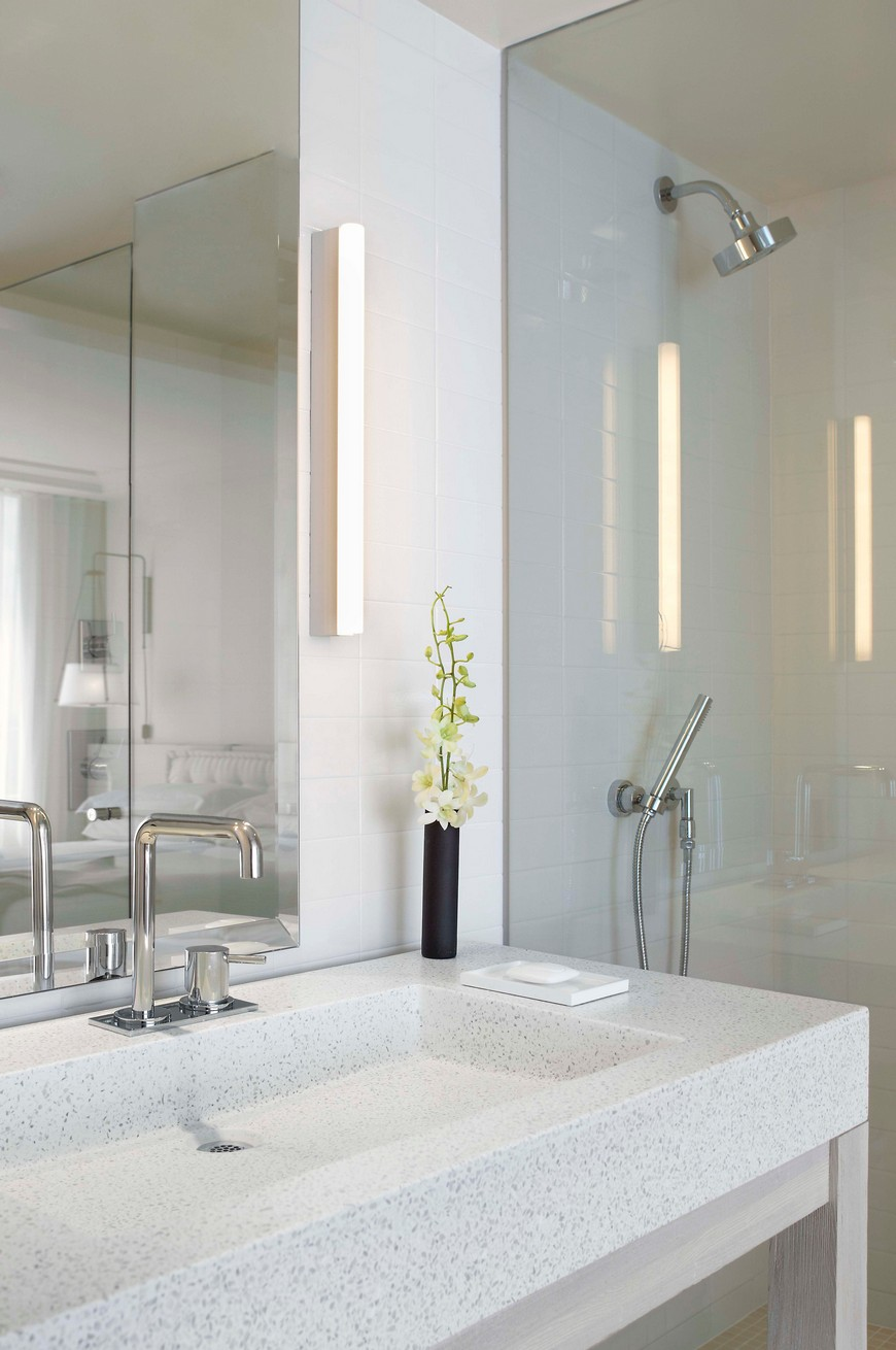 hotel bathroom designs Explore the Most Intriguing Hotel Bathroom Designs by Yabu Pushelberg Explore the Most Intriguing Hotel Bathroom Designs by Yabu Pushelberg 9