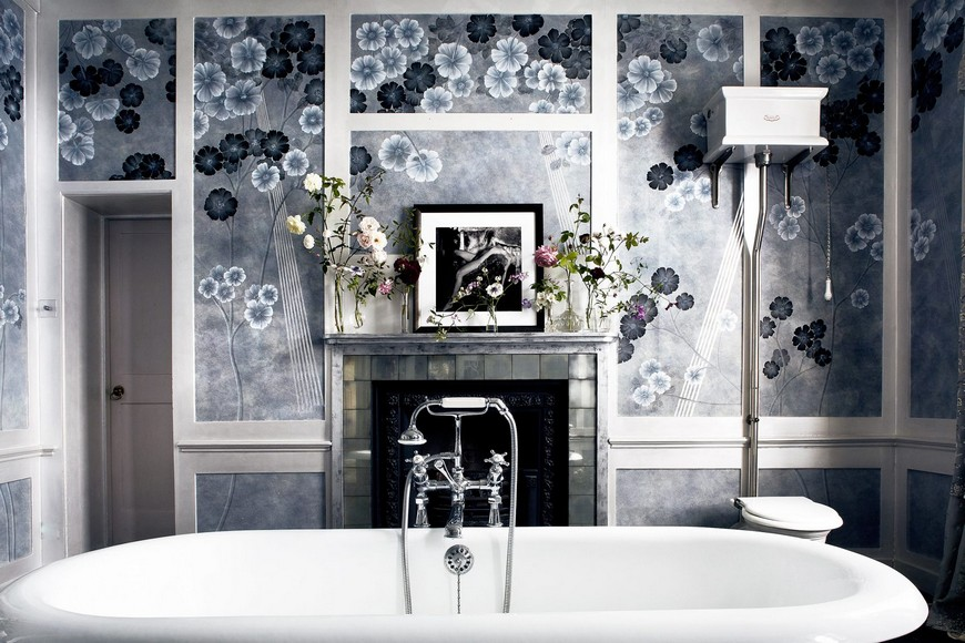 Kate Moss' Vibrant Design Bathroom Wallpaper Is Out of this World 1