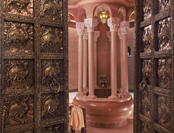 Hotel Bathrooms Take a Look at 10 of the Most Gorgeous Hotel Bathrooms in the World featured 19 600x460