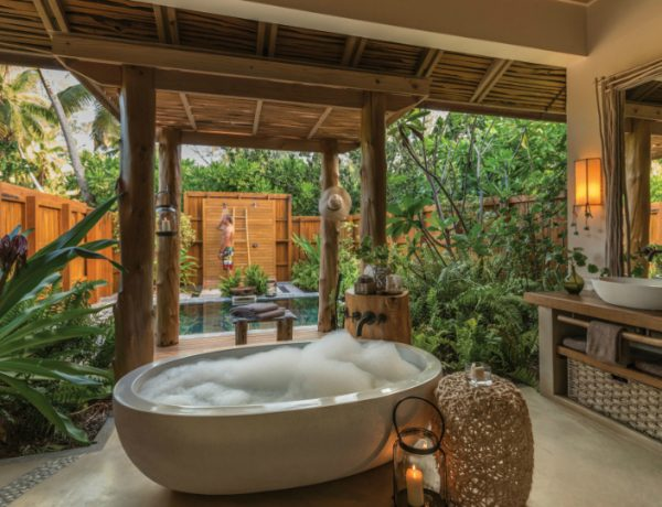 outdoor design ideas 5 Refreshing Outdoor Design Ideas to Create the Ultimate Bathroom Set featured 8 600x460