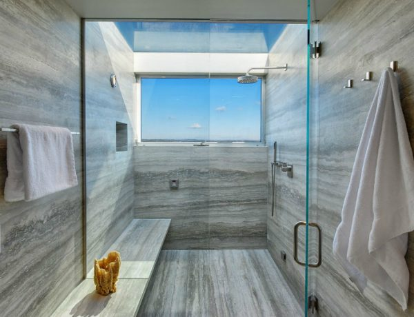 bathroom decor 10 Beach Bathroom Decor Ideas to Overflow Your Set with Tropical Touches featured 22 600x460