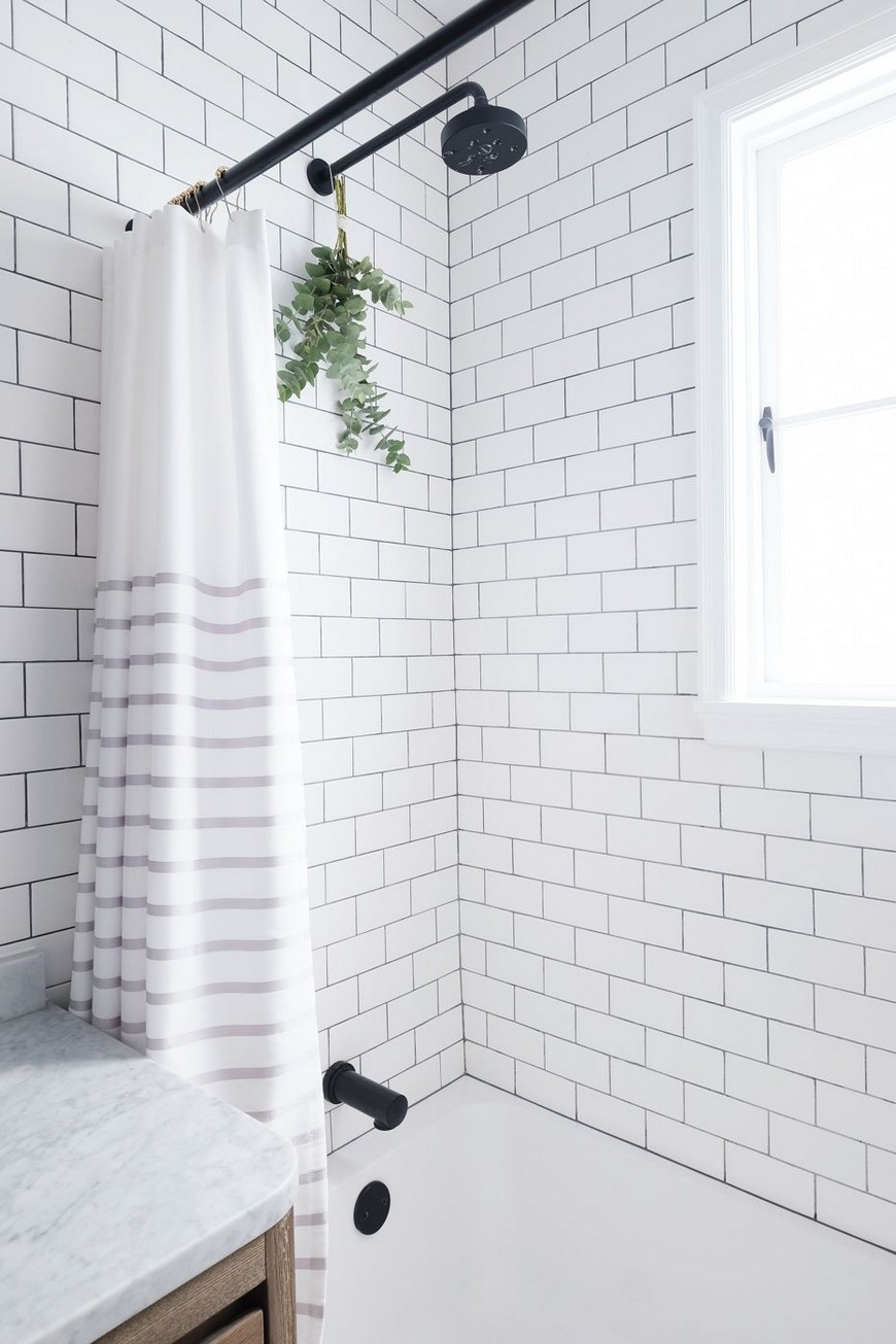 8 Design Ideas to Spruce Up the Decor of White Luxury Bathrooms 2