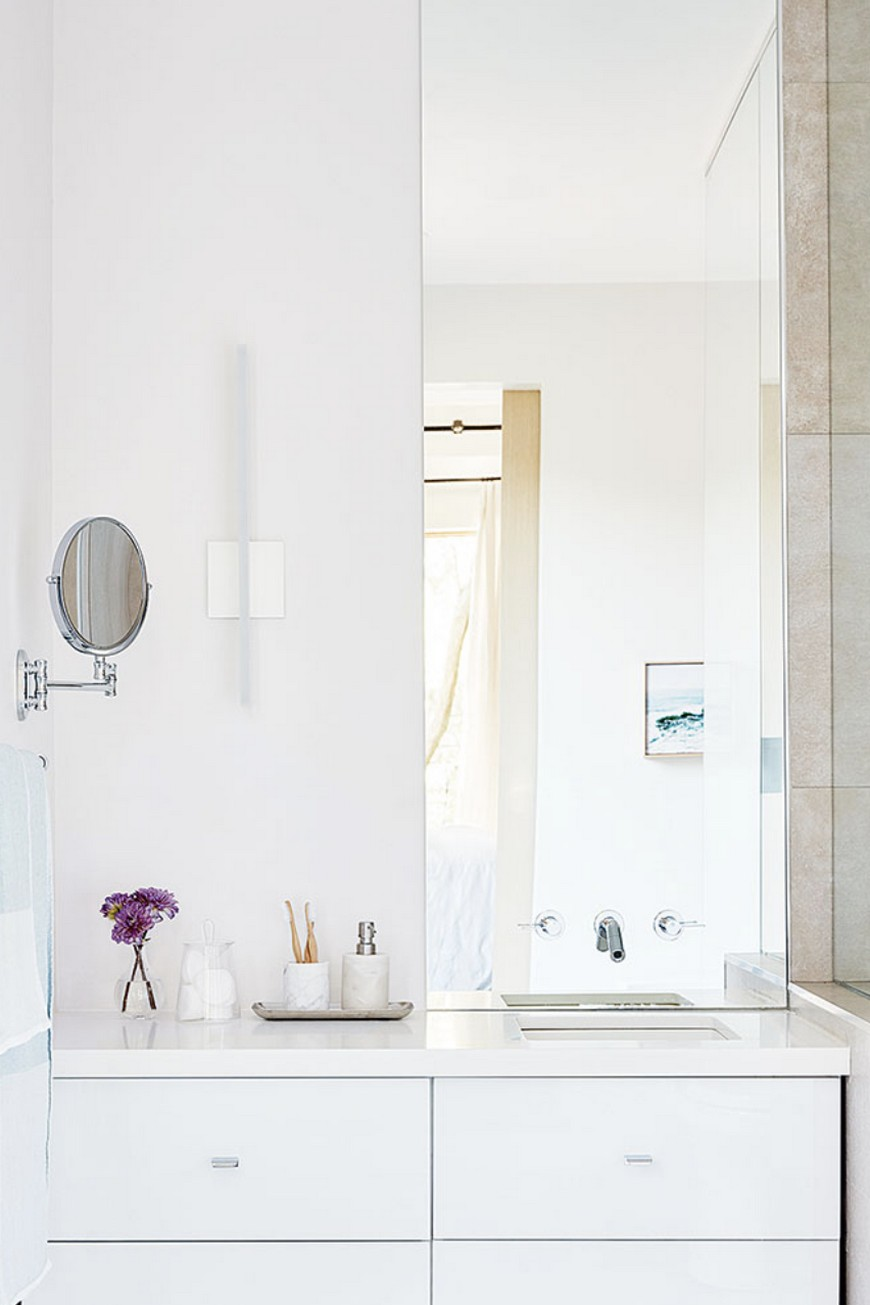 8 Design Ideas to Spruce Up the Decor of White Luxury Bathrooms 3