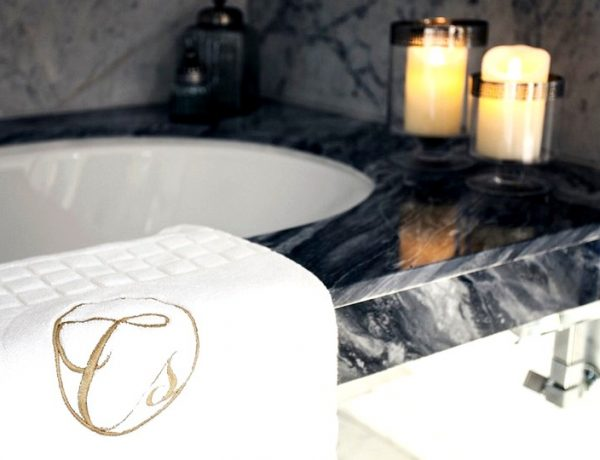 Learn To Create The Perfect Luxury Bathroom Design With Celia Sawyer celia sawyer Learn To Create The Perfect Luxury Bathroom Design With Celia Sawyer Learn To Create The Perfect Luxury Bathroom Design With Celia Sawyer capa 600x460